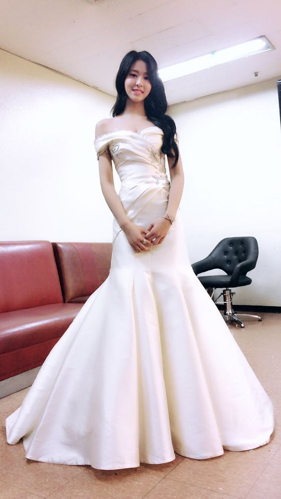 seol gown 11