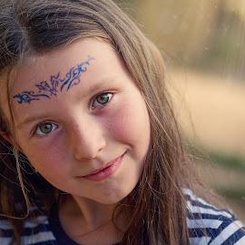 Summer look by Jiri Cetkovsky - Babies & Children Child Portraits ( child, girl, summer, portrait, eyes )
