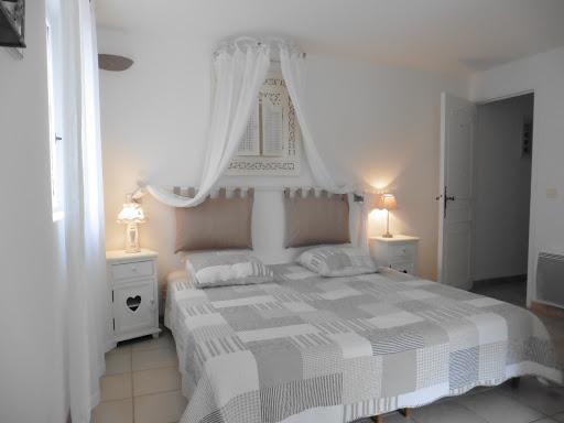 Chambres d'hôtes l'Esclériade en Provence au pied du Mont Ventoux proche de Vaison-la-Romaine, chambre Soleillade