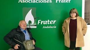 Antonio Martín junto a la técnico, Charo Martínez, en la sede de Frater Andalucía.