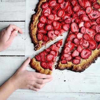 Almond Flour Strawberry Pizza.
