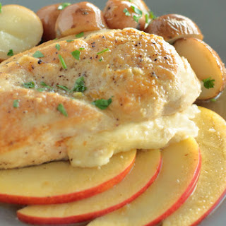 Smoked Gouda Stuffed Chicken with Apples.