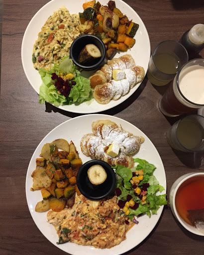 蒜味鮮蝦炒蛋/香料鴨胸炒蛋早午餐👍