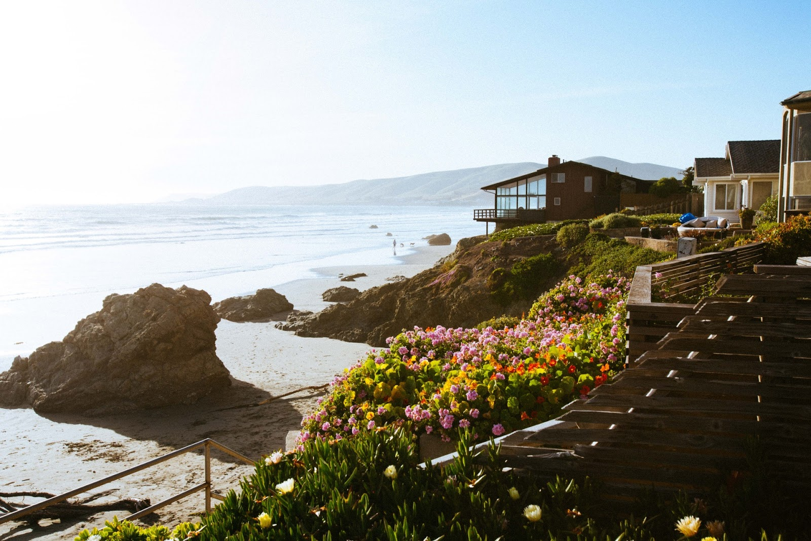 What You Should Consider When Buying a House by the Beach