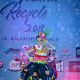 Fashion Recycle 2 by Agus Mahmuda - People Fashion ( woman, beauty, talent, recycle, still life, beautifull, model, fashion )