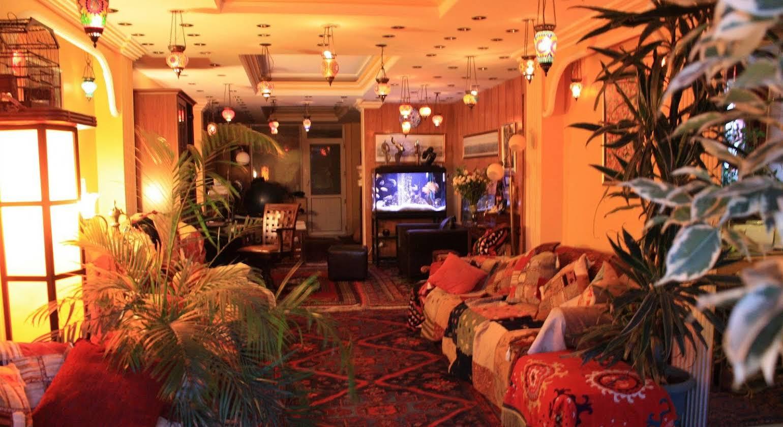 Cosmopolitan Park Hotel