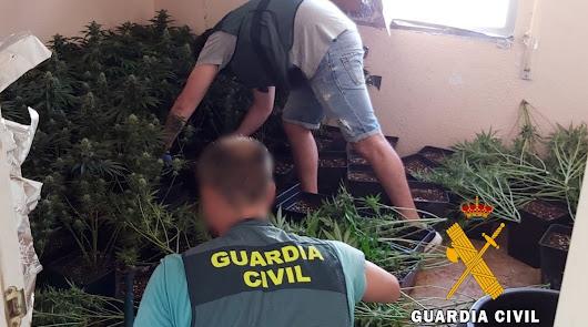 Acuden a extinguir un incendio en una vivienda de Roquetas y encuentran droga
