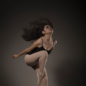 mood and motion by Yreff Lesmana - People Portraits of Women