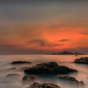 Om Beach Sunset by Manabendra Dey - Landscapes Waterscapes ( evening colours, long exposure, india, om beach, karnataka )