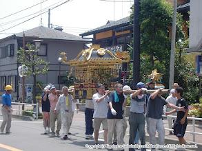 Photo: 【平成16年(2004) 宵々宮】 一通りの飾り付けを済ませ、お仮屋に運ぶ。