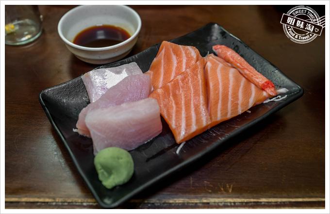 三味食堂綜合生魚片