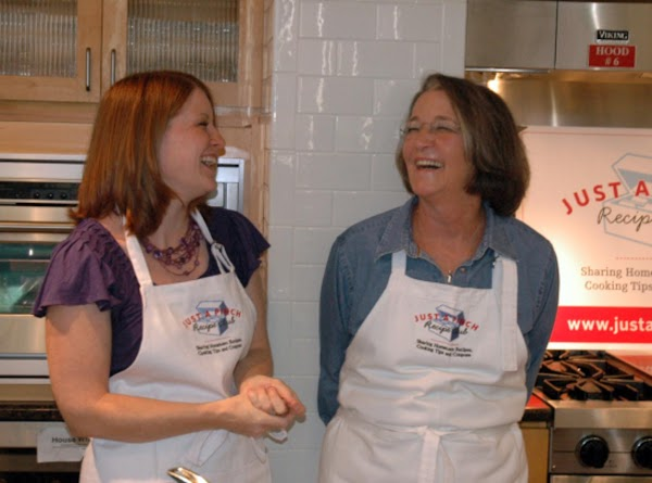 Home Cooks Converge to Celebrate Blue Ribbon Food