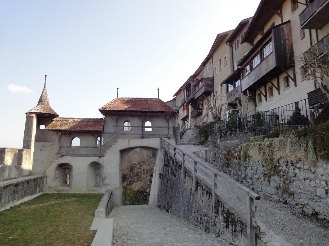 Murs d'enceinte de Gruyères