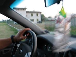 Photo: Im Jeep bringt Fabio mich zum neuen Haus, wo Alessia mit dem Abendessen wartet.