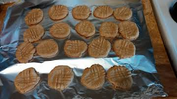 Easy PeanutButter Cookies