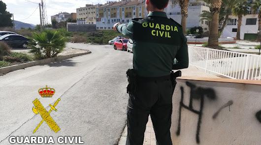 Dos detenidos con 7 kilos de hachís adherido al cuerpo cuando viajaban a Almería