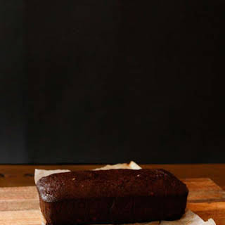 Fudgy Cocoa Banana Bread with Chocolate Chunks (vegan).