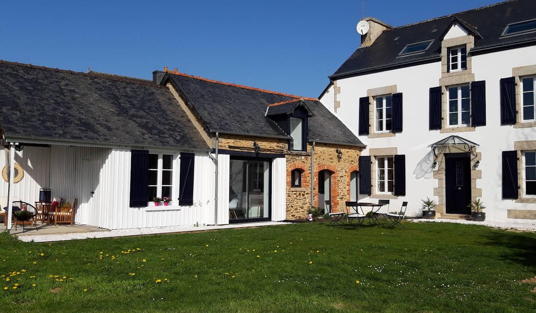 House with garden and terrace Crédin