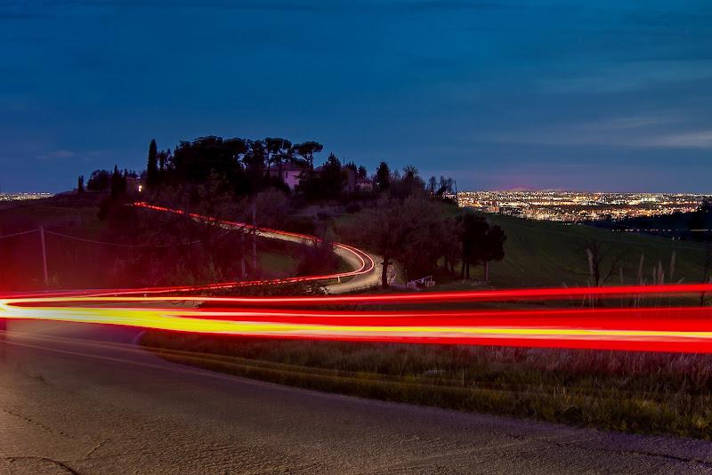 via alla velocità della luce di massimo bertozzi
