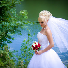 Wedding photographer Anna Abrikosova (enne). Photo of 11.04.2014