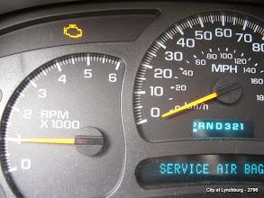 Photo: Lot 27 - (2796-2/4) - 2004 Chevrolet Tahoe - 150,622 miles