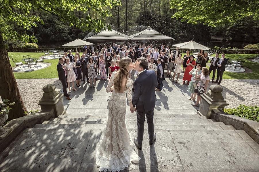 Wedding photographer Manola van Leeuwe (manolavanleeuwe). Photo of 05.05.2018