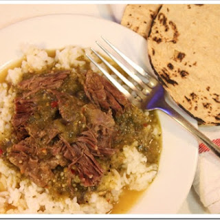 Braised Short Ribs in Tomatillo Sauce / Receta de Costillas de Res en Salsa Verde