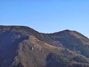 Photo: sur l'autre versant, le col de Cap de Côte