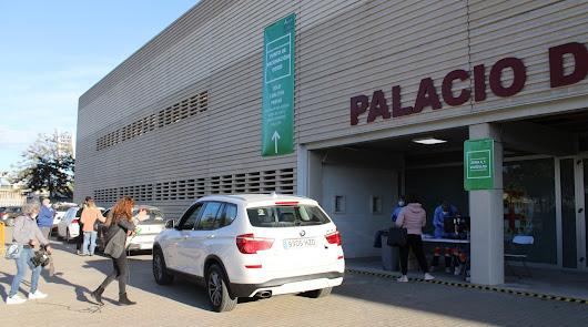 Vacunación en el Palacio de los Juegos Mediterráneos.