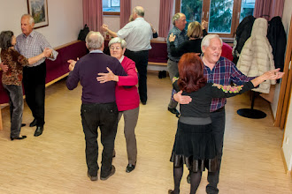 Photo: Wir tanzen Walzer, Tango, Fox, Engl. Walzer, Boarisch, Polka . . .