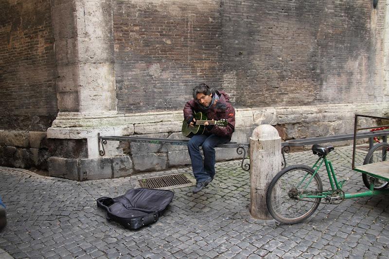 La musica disincantata in una Roma addormentata     di Maurzio Capolupo 57