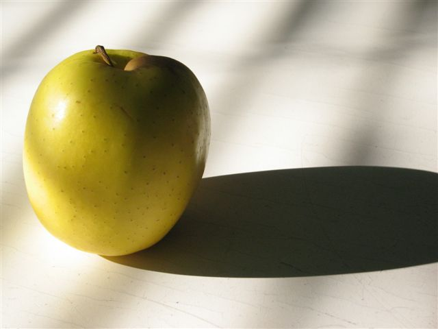APPLE YELLOW di STREVIS
