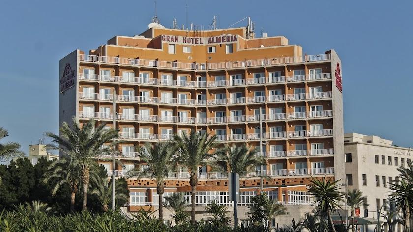 El Gran Hotel Almería acaba de cumplir 50 años desde que fue inaugurado.