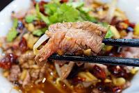 食牛。 台灣溫體牛刷刷鍋
