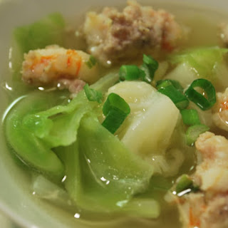 Canh Bap Cai Tom Thit (Vietnamese Cabbage Soup).