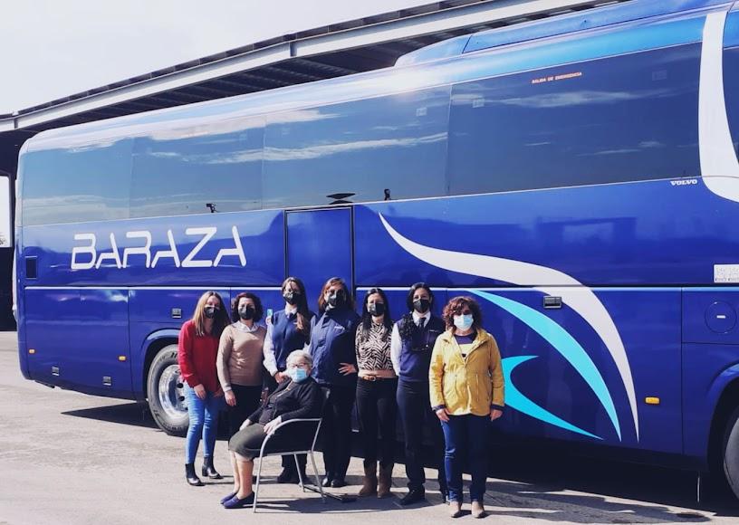 Autocares Baraza de Vera también rinden homenaje a las mujeres en este 8M.