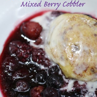 Crock Pot Mixed Berry Cobbler