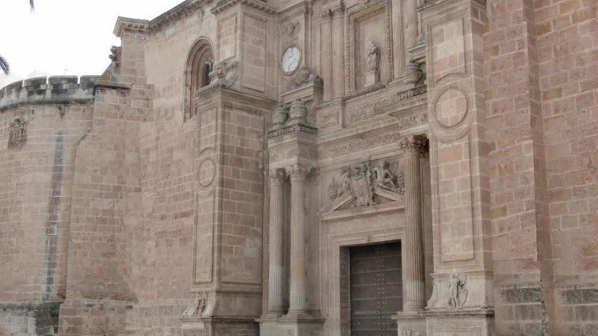 La Catedral de Almería podría reabrir sus puertas en las próximas semanas.