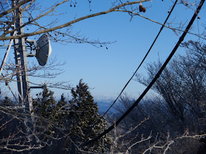 山頂から北東方面に狭い展望