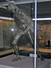 Photo: Bronze of Alexander fighting