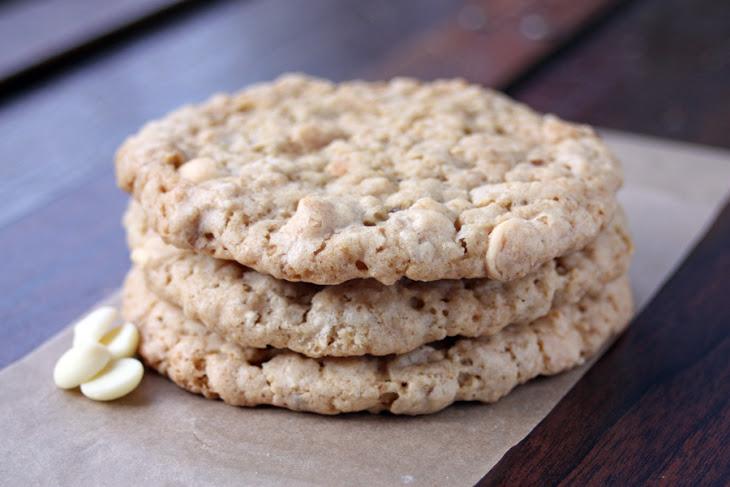 Vegan White Chocolate Macadamia Cookies Recipe