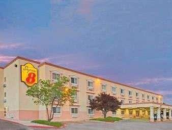 Super 8 by Wyndham Albuquerque East