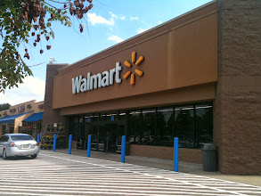 Photo: The next day I head to another Wal-Mart in search of my Bigelow Green Tea.