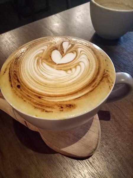 咖啡香濃,餐點好吃高CP值