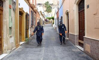 El Ayuntamiento desinfecta el Casco Histórico