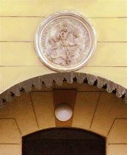 Photo: Willa Erdős Renée, Budapest XVII, Báthori u. 31 - herb (św. Jerzy) nad wejściem