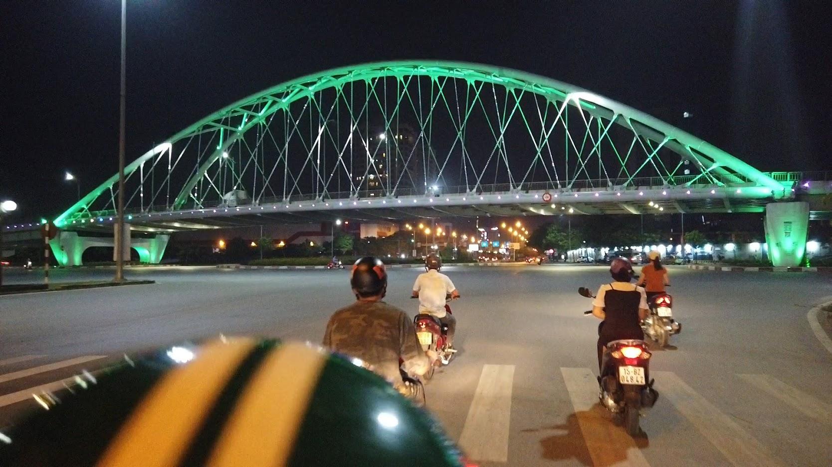 Đường Lề Hồng Phong lung linh về đêm ở Hải Phòng