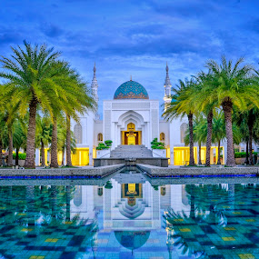 AL Bukhari Mosque Kedah Malaysia by Mohammad Khairizal Afendy - Buildings & Architecture Places of Worship ( muslim, building, islam, exterior, mosque, malaysia, sunrise, architecture )