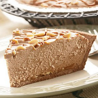 Easy Peanut Butter Chocolate Cheesecake Pie
