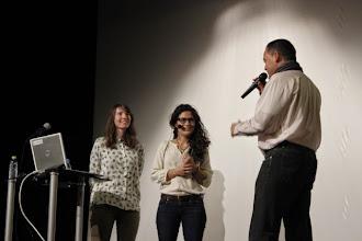 Photo: Presentación de Clara y Almudena taller sobre FELICIDAD